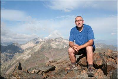 Salvaguardia mendiaren gailurra 2.738 m.  --  2009ko abuztuaren26an