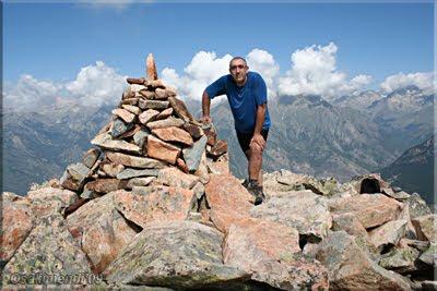 Pico de Cerler mendiaren gailurra 2.407 m.  --  2009ko abuztuaren 27an