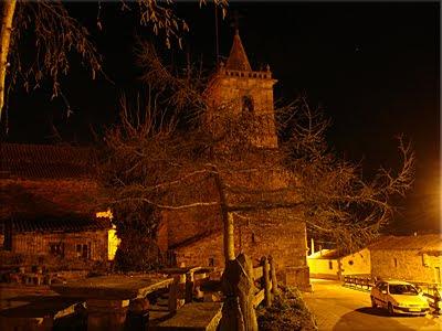 Vista nocturna de Abiada desde el albergue