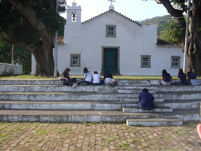 Desenhando ao ar livre - Ultrapassando os muros da escola