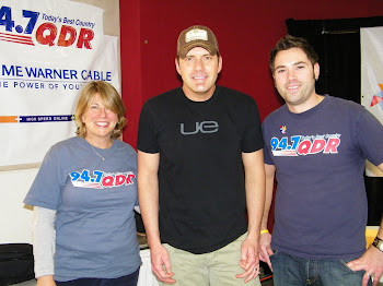 J.J. and Lisa with Rodney Atkins