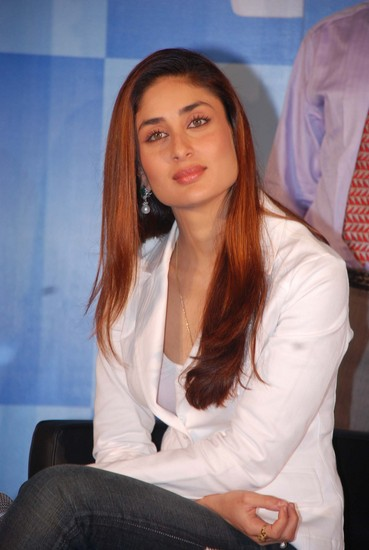 Kareena Kapoor Wallpapers 2011
