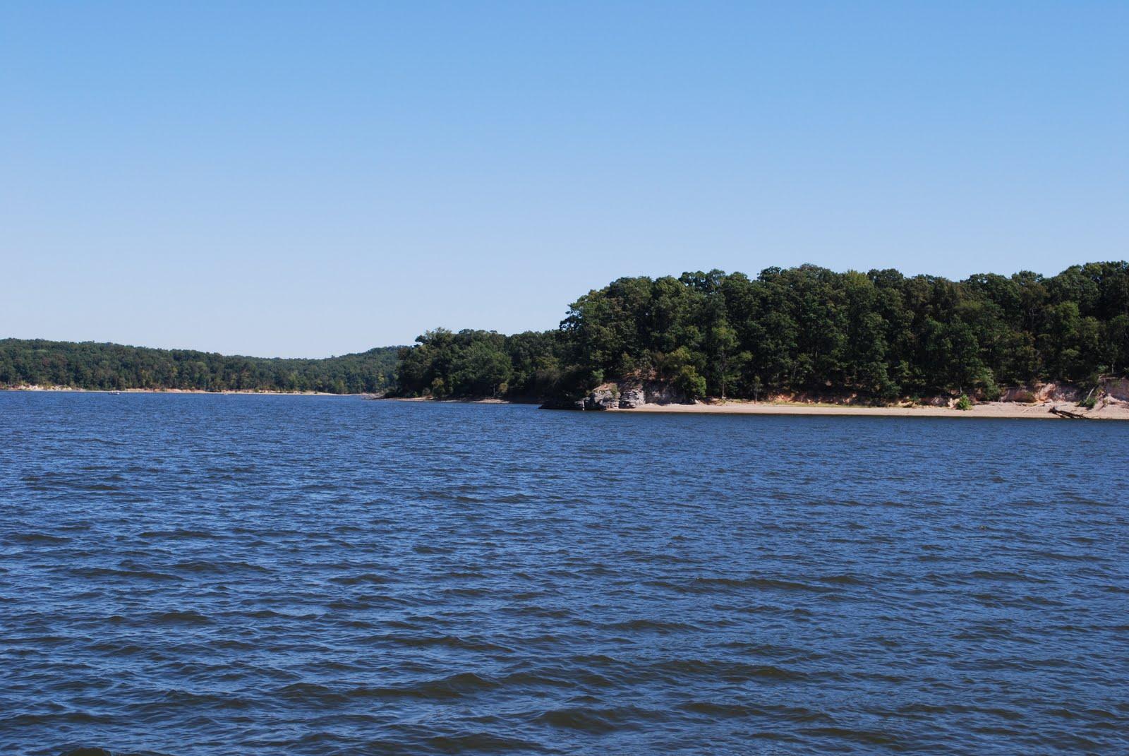 Solitude tennessee river and kentucky lake for Kentucky lake fishing