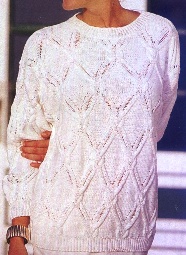 Kostenlose Strickmuster: Pullover mit verzopften Rhomben