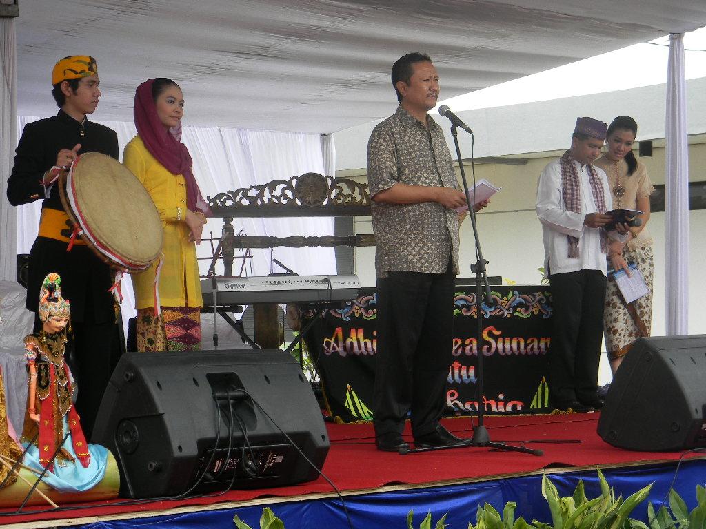 Kampung Artis Apaan Tuh Nur Terbit