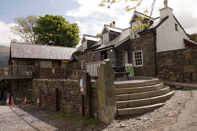 Travel, attractions, united kingdom, Snowdon, llanberis path, pub