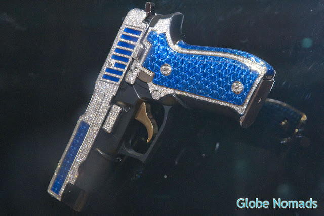 jeweled pistol with 1517 diamonds