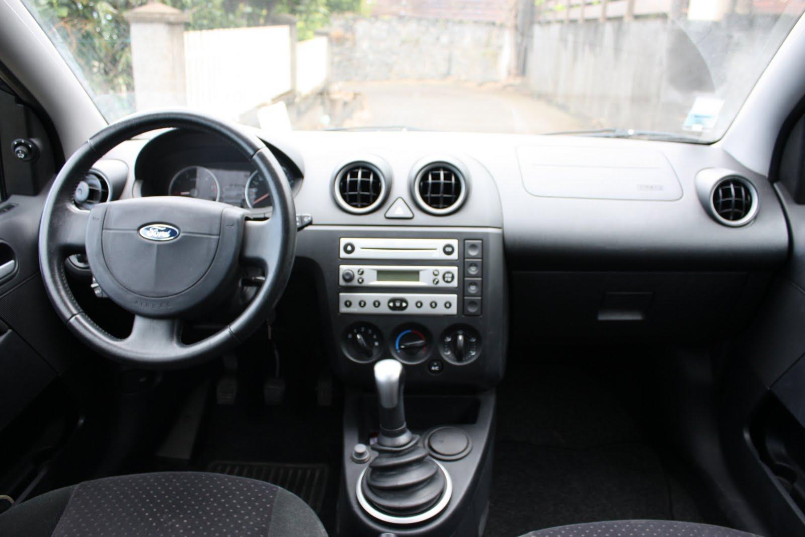 cause d part vends tout dans la maison voiture ford fiesta diesel toutes options 7 400 vendu. Black Bedroom Furniture Sets. Home Design Ideas