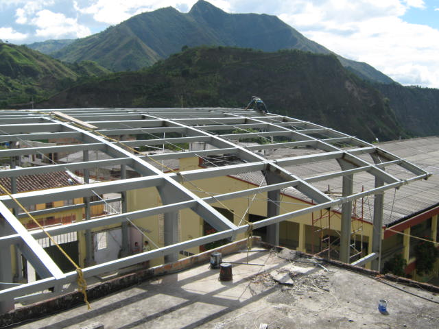 Estructuras met licas estructura para cubiertas for Cubiertas para techos livianas