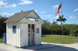 Het kleinste, operationale, postkantoor van de Verenigde Staten. Ochopee, Florida