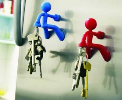 http://3.bp.blogspot.com/_IUYlNU10BMY/Sjyp5zFJufI/AAAAAAAATzc/Cf-2Xoujw4E/s400/key-hanger-07.jpg
