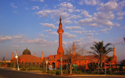 50 Most Beautiful Islamic Mosque designs around the World