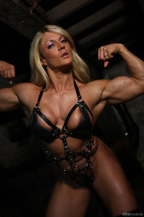 Strong Women's Styles: Female Bodybuilders from Los Angeles