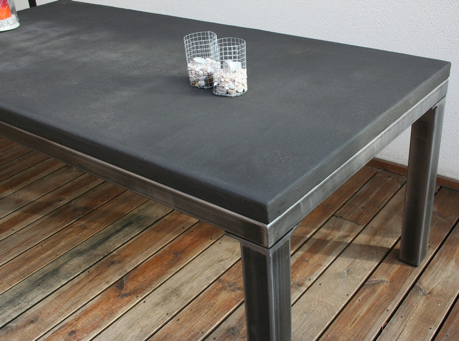 Table beton com table de salle manger b ton for Table a manger beton