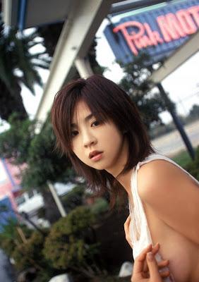 Aki Hoshino_15