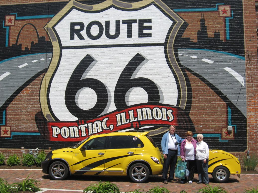 old city hall shoppes pt street cruiser hits route 66. Black Bedroom Furniture Sets. Home Design Ideas