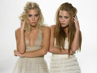MARY-KATE OLSEN & ASHLEY OLSEN