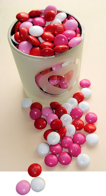 Heart and M&Ms by Bob.Fornal from flickr (CC-NC-SA)