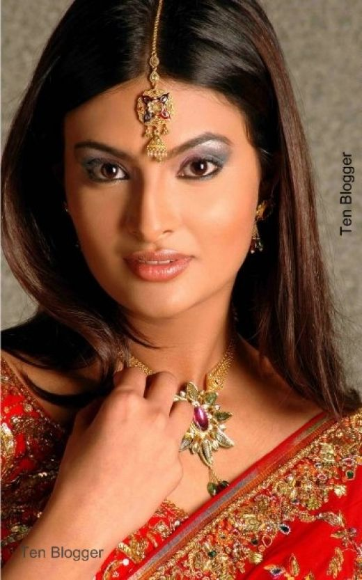 Sayali bhagat killer look photos