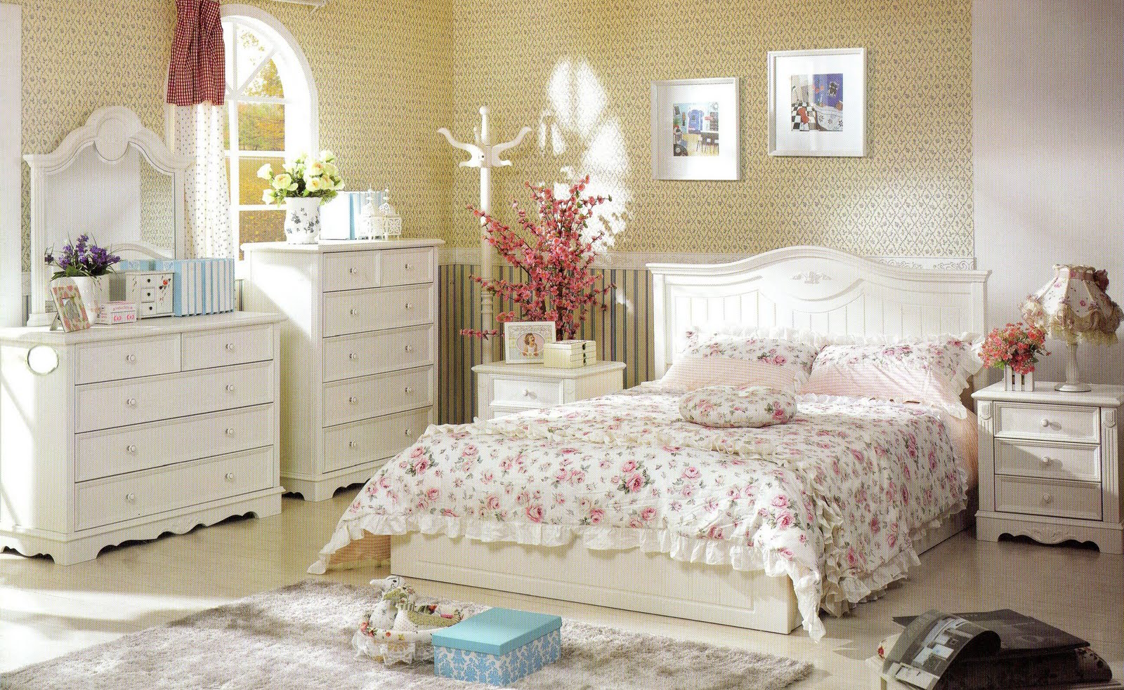 Country style bedrooms sweet doll house for Country cottage bedroom