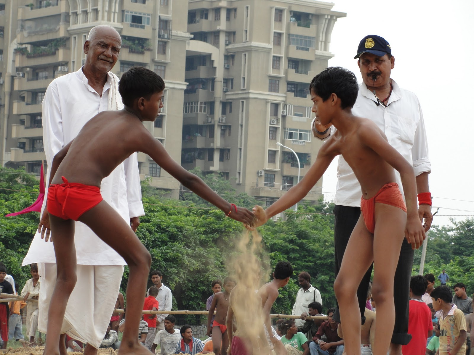 indian wrestler kids At 4 o'clock young wrestlers began to compete. I was amazed to see the way these kids were fighting. They were like the miniature wrestlers who know every ...