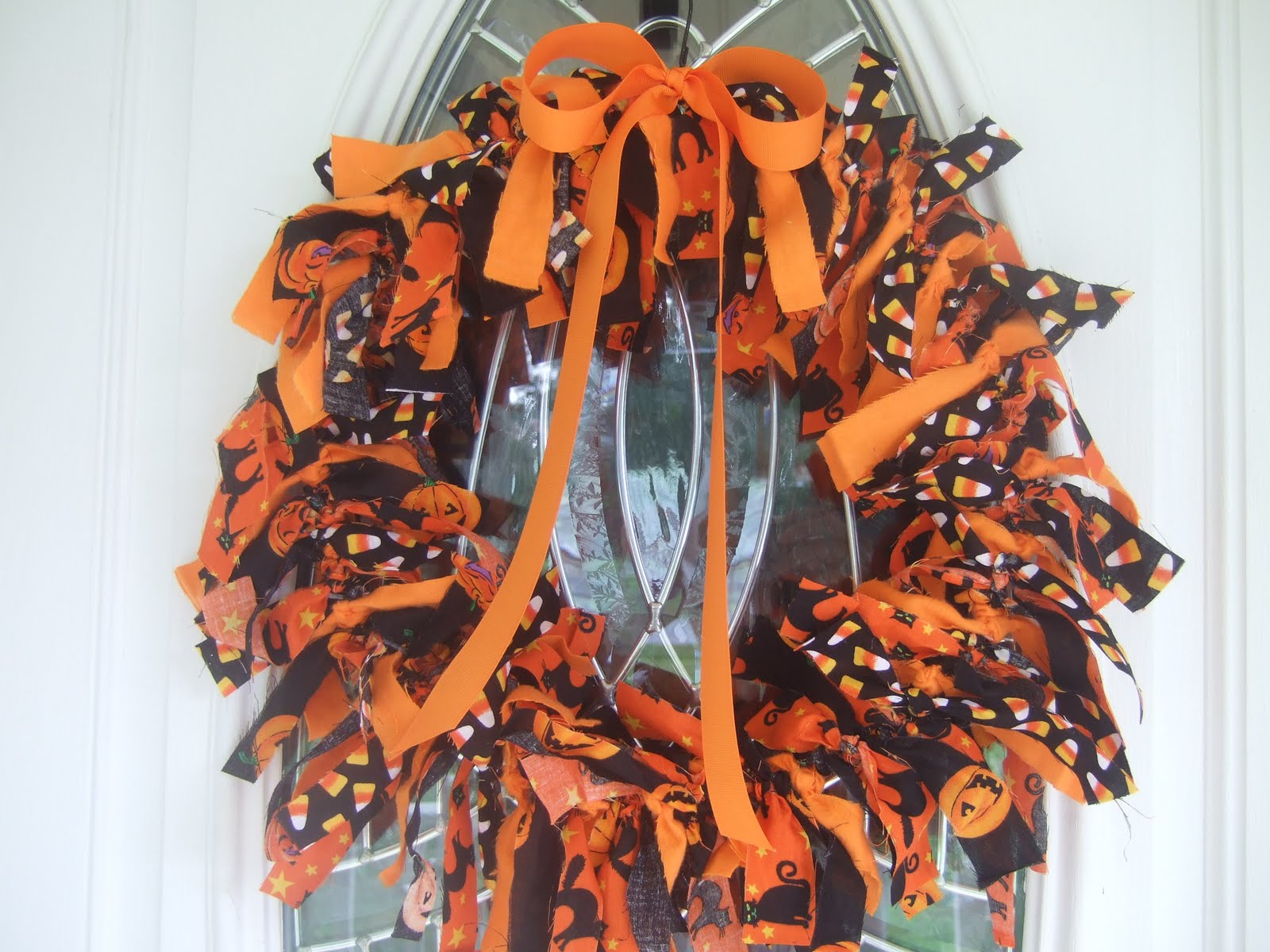 Remodelaholic *: Halloween Decorating Ideas: Rag Wreath Tutorial
