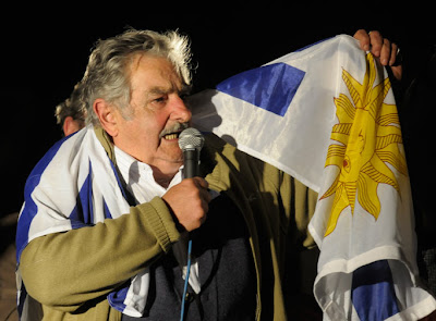 Mujica desaprueba burla a los argentinos