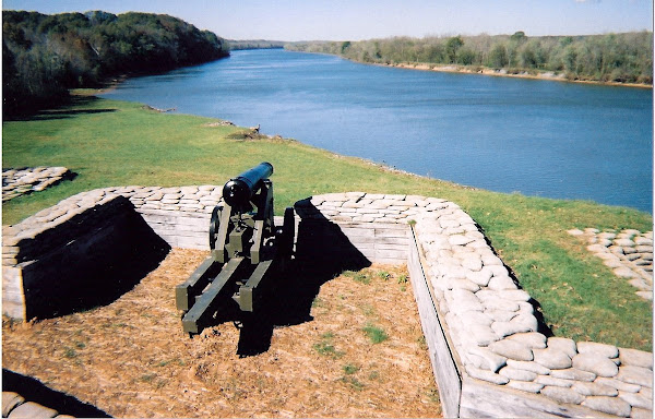 Fort Donelson was built by Confederate soldiers . . .