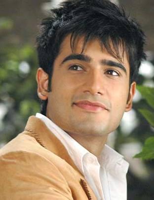 Karan Tacker as cool dude in Rang Badalti Odhani