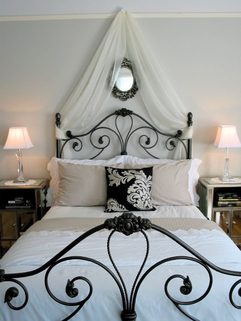 Rotten tooth fairy bedroom ideas parisian theme for Parisian bedroom designs
