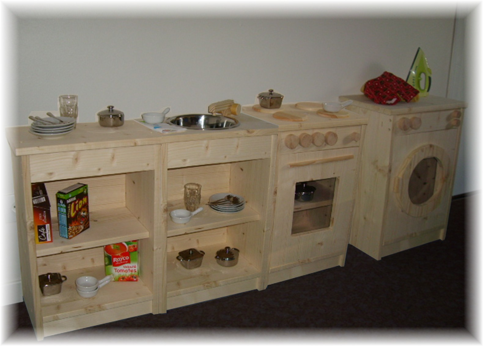 Phil creation cuisine enfant for Vertbaudet cuisine en bois