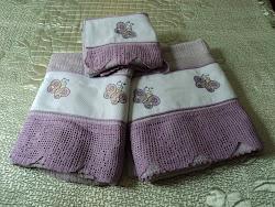 Jogo de toalhas de banho (crochê e ponto vagonite)