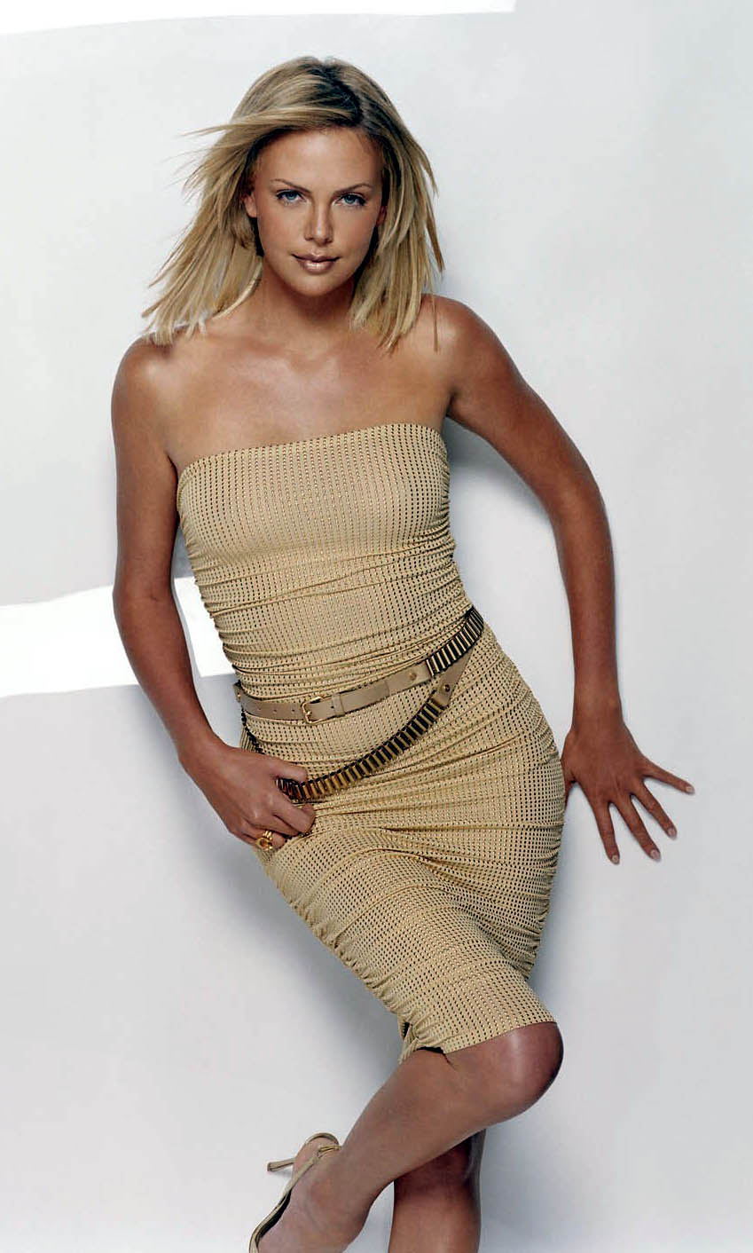 CHARLIZE THERON - First African Oscar winning actress! Charlize-theron-01