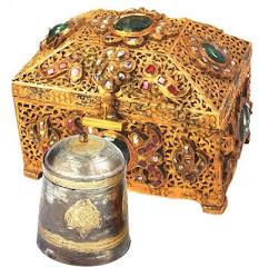 Kotak Penyimpan Gigi Saidina Rasulullah s.a.w.