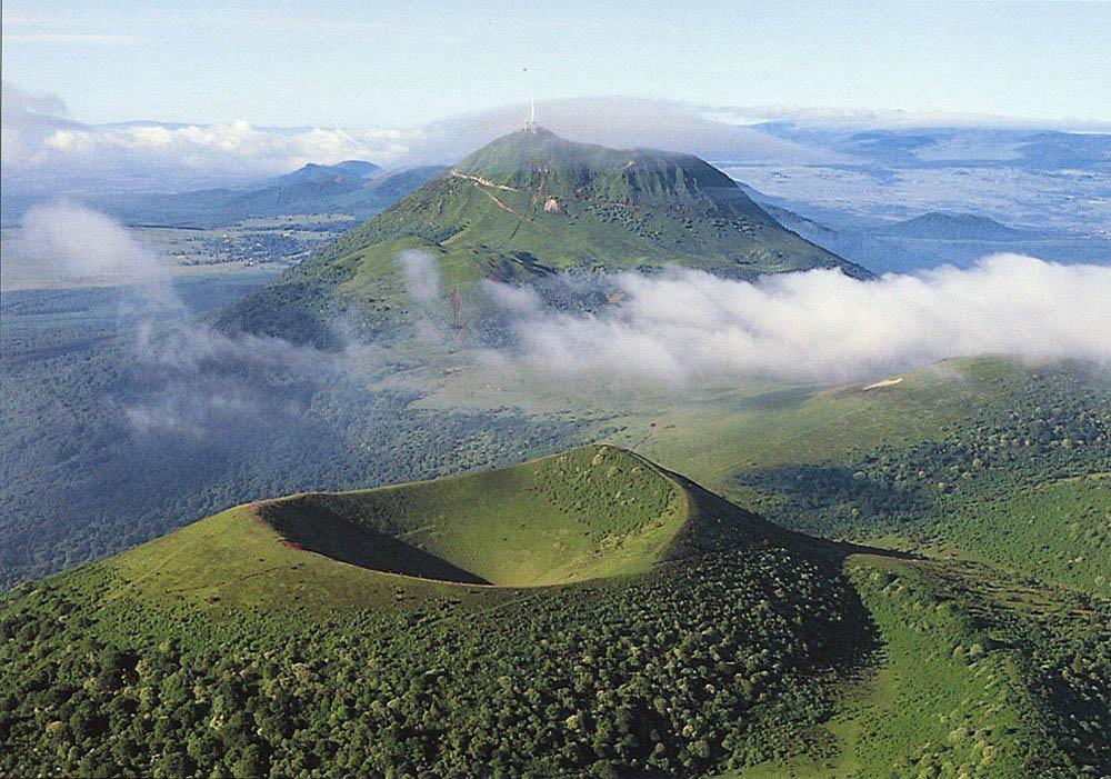 Volcano near Clermont-Ferrand