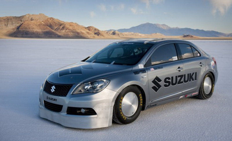 Suzuki Kizashi topples 200 mph at Bonneville for new Land Speed Record