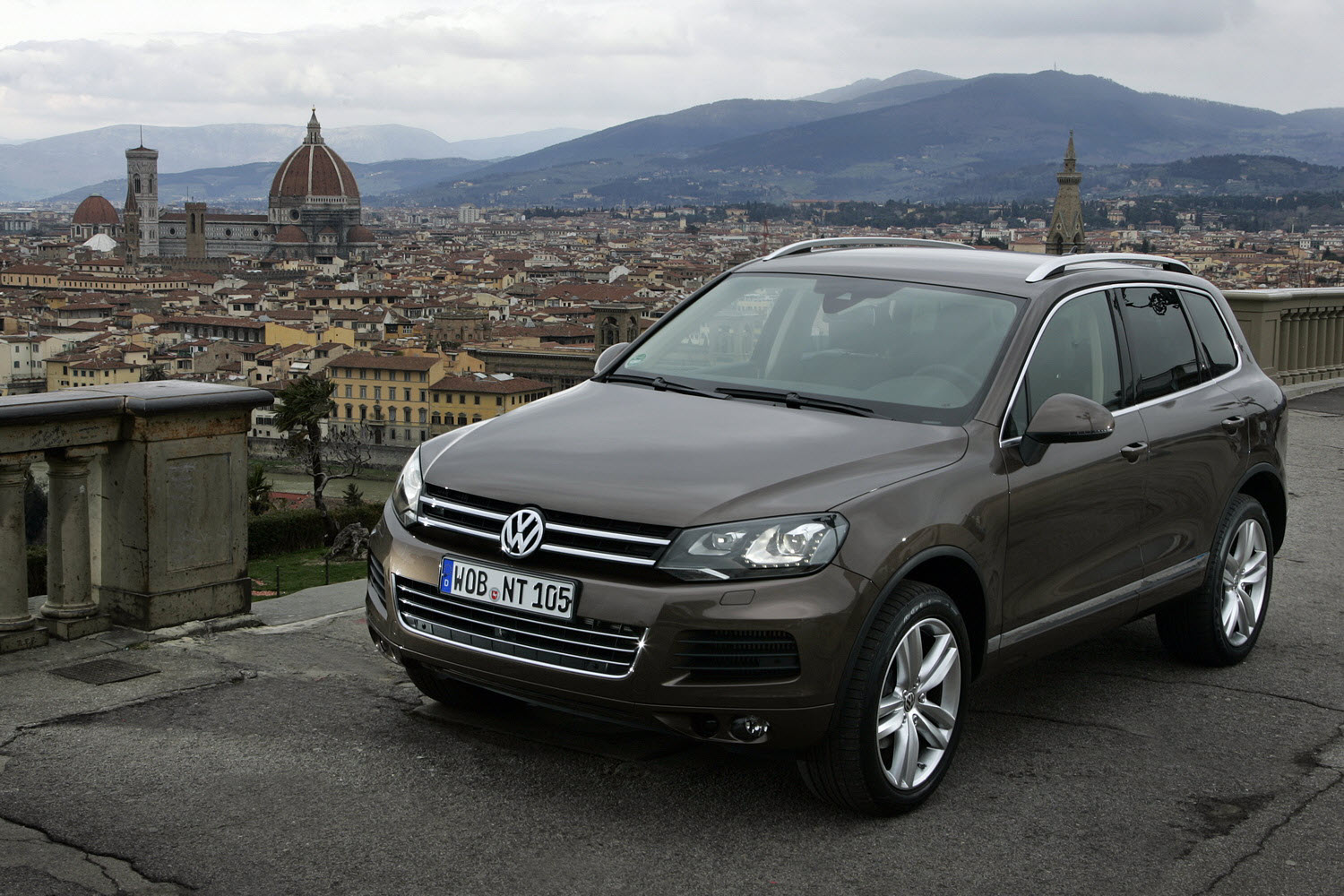 volkswagen touareg released  usa