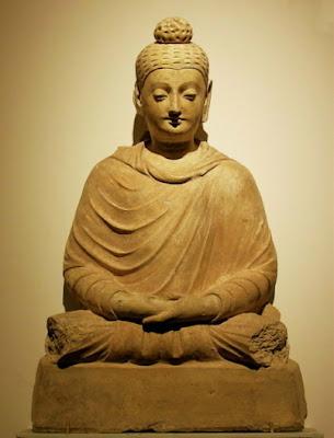 cual es la mejor forma de meditar?? Estatua%20de%20Buda%20(Afganist%C3%A1n)