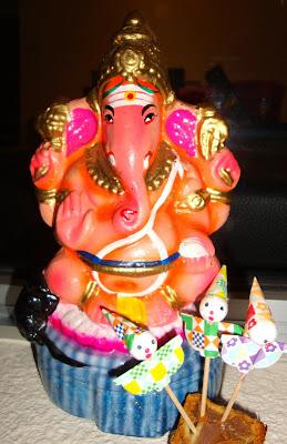 Ganesh Bday Cake Images : Laura in Singapore: Happy Ganesh Chaturthi