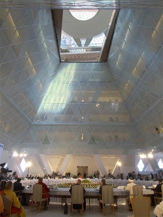 ASTANA,  KAZAJSTÁN Palace_of_peace_6