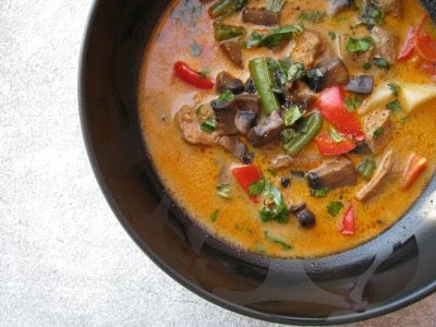 Show Me Vegan: Thai Red Curry Soup