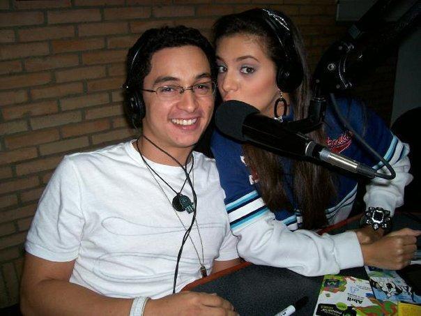 sheryl y victor en la radio