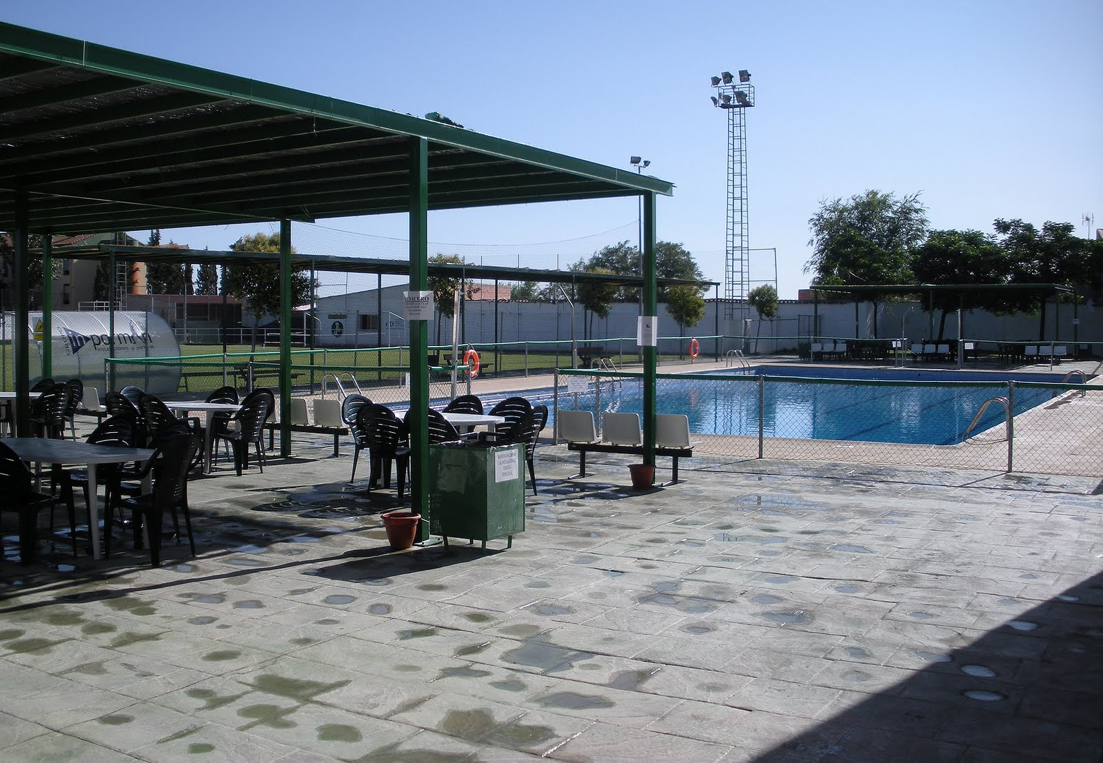 La gente aldeana apertura de la piscina municipal for Piscina el pardo