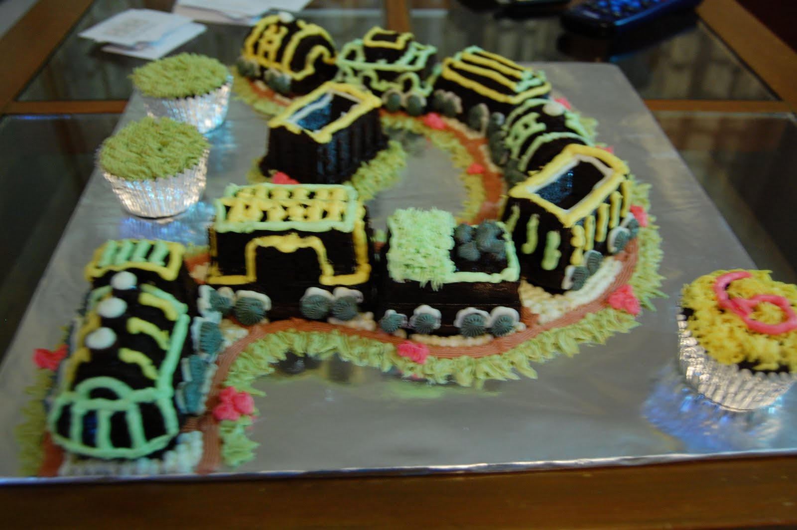 Cake Decorating Course Aberdeen : Baking Lab: Akasyah s Choo Choo Train Cake