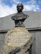 Busto de Pedro Benoit en el cementerio de la. Recoleta, donde también misteriosdelaplata