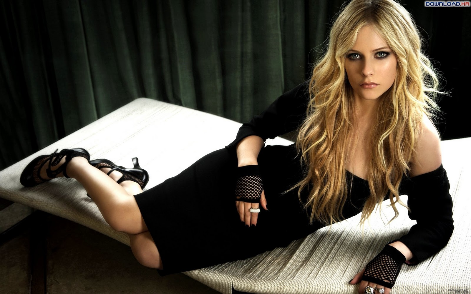 Avril Lavigne Hot Wallpapers | fx wall