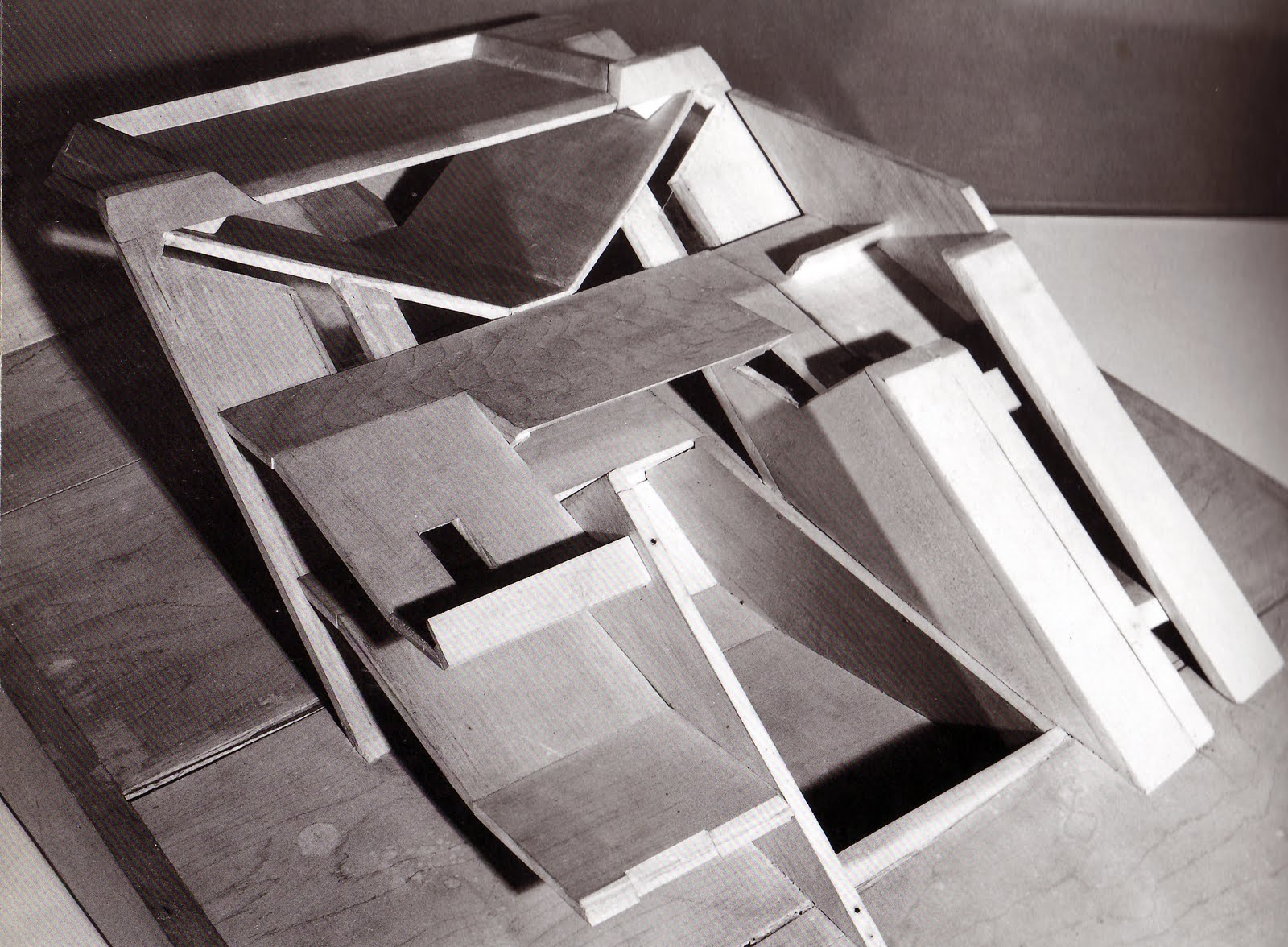 Folded Plane Architecture Models