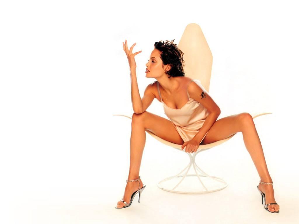 angelina jolie leg the - photo #30