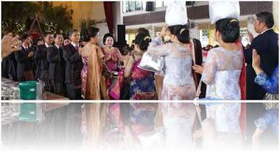 pernikahan adat batak