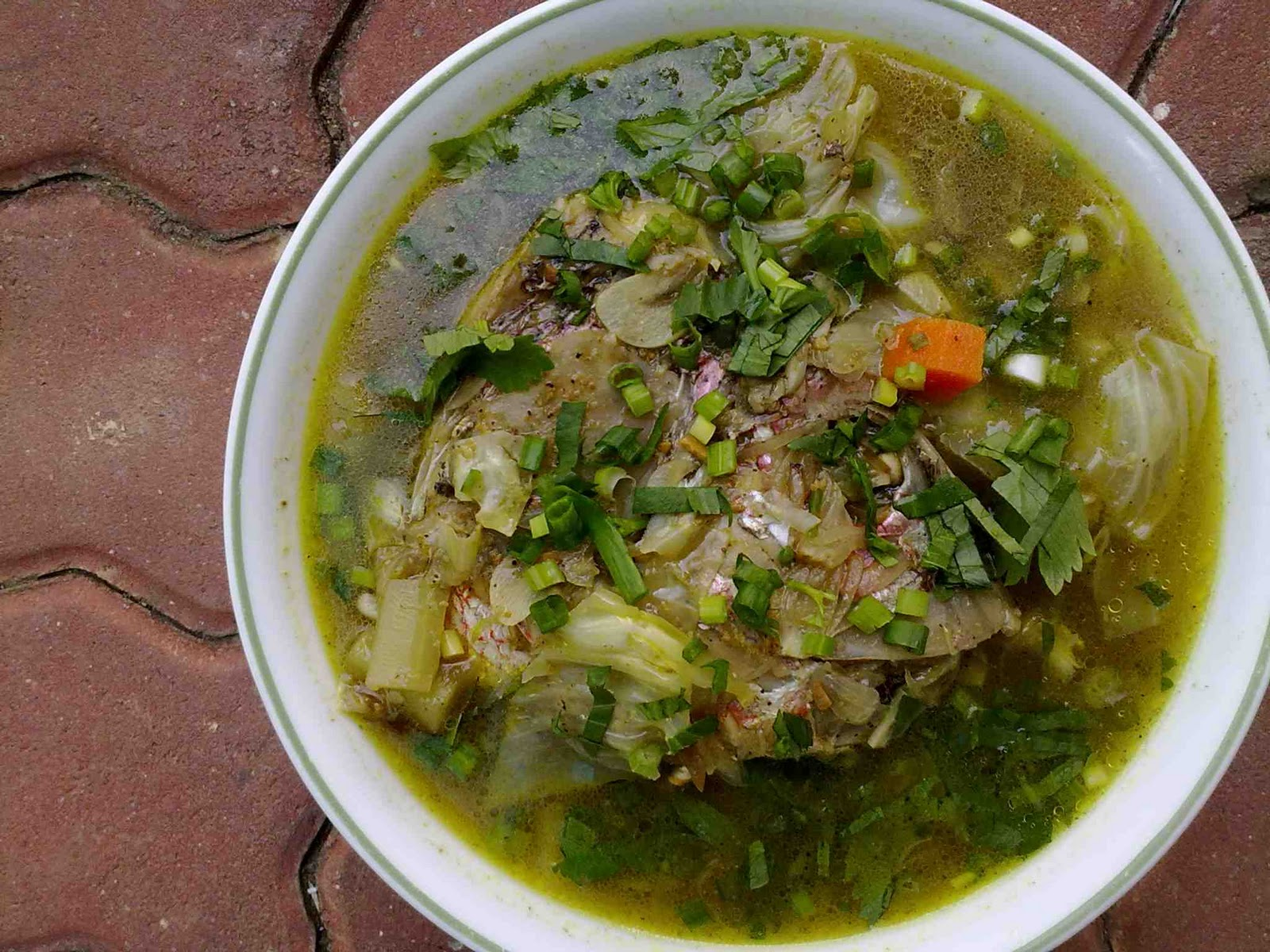 Mums old recipe book sup ikan fish soup for Fish head soup recipe